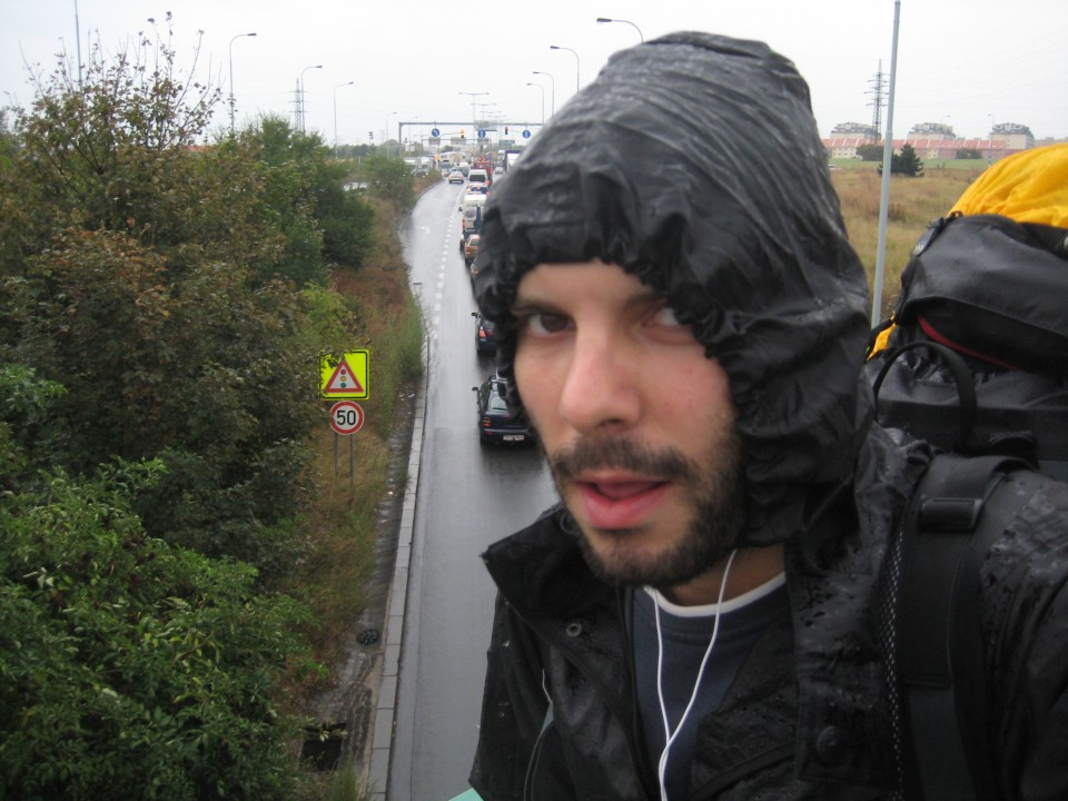 02 rainy hitchhiking